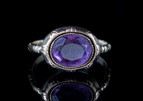 ANTIQUE GEORGIAN AMETHYST RING 18CT GOLD CIRCA 1780 Front