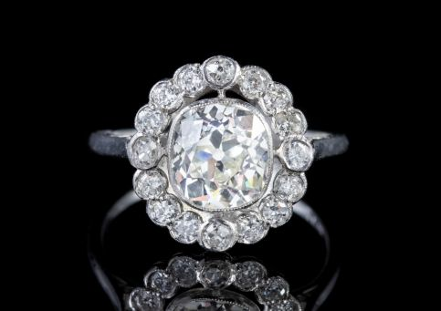 OLD CUT DIAMOND CLUSTER RING PLATINUM 3.40CT OF DIAMOND  front