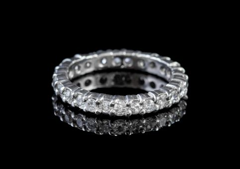 ANTIQUE EDWARDIAN DIAMOND FULL ETERNITY RING 2CT DIAMOND 18CT GOLD CIRCA 1915 front2