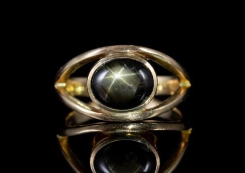 VINTAGE STAR SAPPHIRE RING 14CT GOLD 1.75CT SAPPHIRE CIRCA 1950 front star