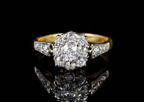 ANTIQUE EDWARDIAN DIAMOND CLUSTER ENGAGEMENT RING 18CT GOLD PLATINUM CIRCA 1910 front