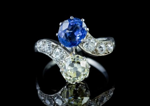 ANTIQUE EDWARDIAN SAPPHIRE DIAMOND TWIST RING PLATINUM CIRCA 1915 front