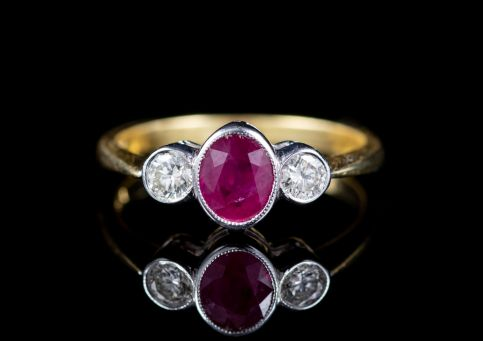 RUBY DIAMOND TRILOGY RING 18CT GOLD  front