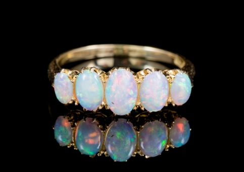 ANTIQUE VICTORIAN NATURAL OPAL FIVE STONE RING 18CT GOLD CIRCA 1900 front