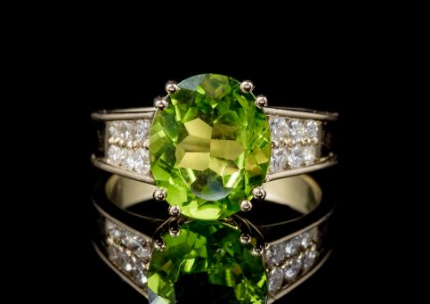 VINTAGE FRENCH PERIDOT DIAMOND RING 18CT GOLD  front
