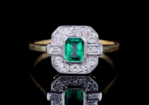 Emerald Diamond Engagement Ring 18ct Gold front