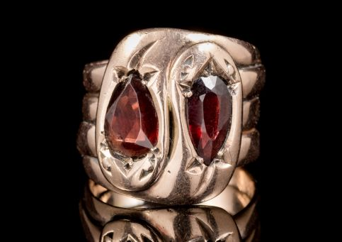 ANTIQUE EDWARDIAN FLAT CUT GARNET SNAKE RING 9CT GOLD DATED CHESTER 1912 front