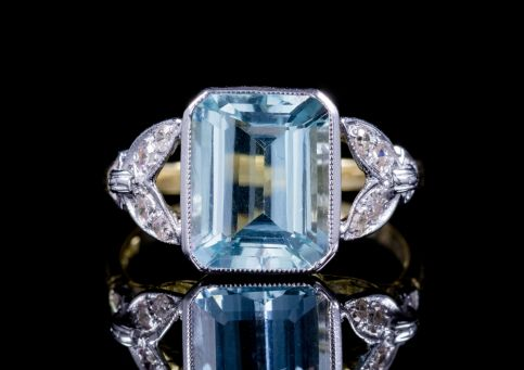 3CT EMERALD CUT AQUAMARINE DIAMOND RING 18CT GOLD front
