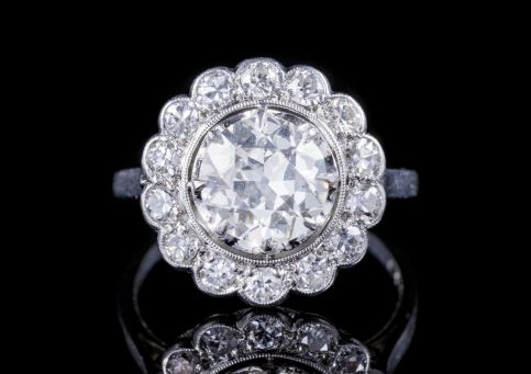 ANTIQUE EDWARDIAN OLD CUT DIAMOND CLUSTER RING PLATINUM CIRCA 1915 FRONT
