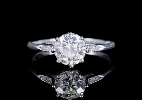 ANTIQUE EDWARDIAN OLD CUT DIAMOND ENGAGEMENT RING CIRCA 1910 front