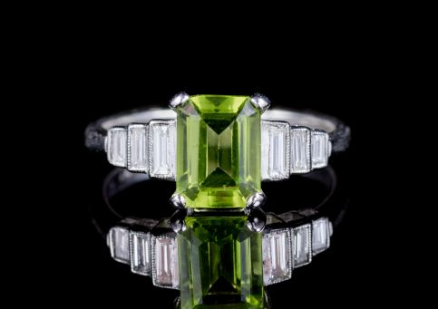 EMERALD CUT PERIDOT DIAMOND RING PLATINUM  FRONT