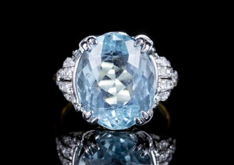 VINTAGE AQUAMARINE DIAMOND RING 18CT GOLD 13CT AQUA CIRCA 1940 front