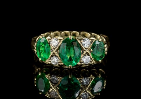 ANTIQUE VICTORIAN 18CT GOLD EMERALD DIAMOND RING CIRCA 1900