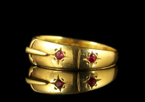 Antique Edwardian 18ct Yellow Gold Ruby Buckle Ring SIDE1