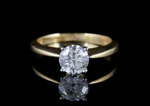 Diamond Solitaire Ring 18ct Gold Engagement Ring FRONT