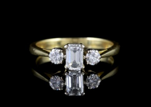Diamond Trilogy Ring 18ct Gold Millennium 2000 FRONT