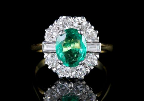 Emerald Diamond Ring 18ct Gold 2ct Emerald FRONT