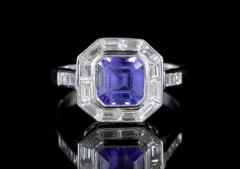 Tanzanite Diamond Ring 18ct White Gold FRONT