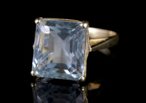 Art Deco Aquamarine Ring 18ct Gold 15ct Aquamarine FRONT