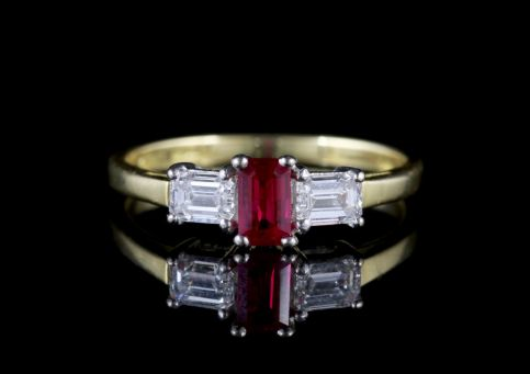 Vintage Ruby Diamond Ring 18ct Gold Engagement Ring Birmingham 1960 FRONT