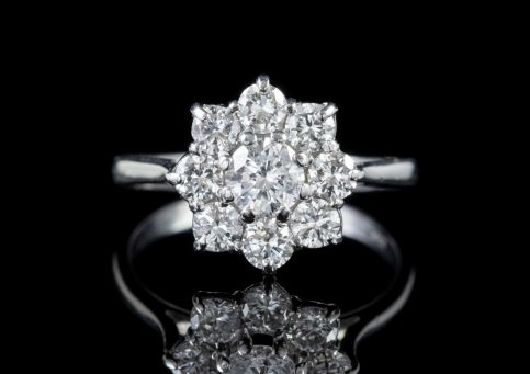 VINTAGE 1.50CT DIAMOND CLUSTER RING 18CT WHITE GOLD CIRCA 1950 front