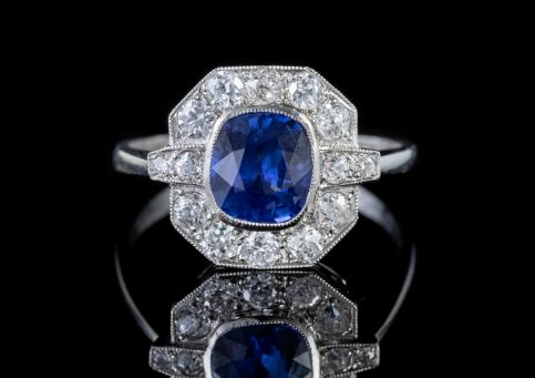 SAPPHIRE DIAMOND CLUSTER RING PLATINUM 1.40CT SAPPHIRE front