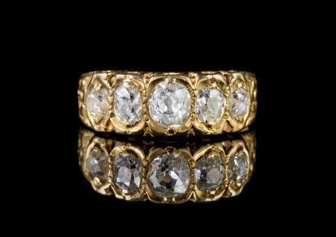 ANTIQUE VICTORIAN DIAMOND RING 18CT GOLD 1CT OF OLD CUT DIAMOND DATED 1875 front