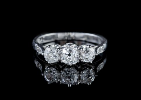 ANTIQUE EDWARDIAN 1.36CT OLD CUT DIAMOND TRILOGY PLATINUM RING WITH CERT CIRCA 1910 front