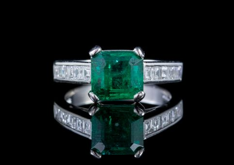 VINTAGE EMERALD DIAMOND RING PLATINUM 2.27CT EMERALD 0.80CT DIAMOND DATED 1956 front