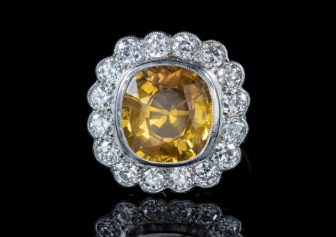 YELLOW SAPPHIRE DIAMOND CLUSTER RING 18CT GOLD 6CT SAPPHIRE front