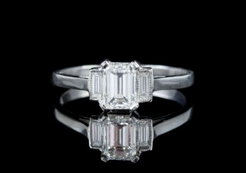 VINTAGE ART DECO EMERALD CUT DIAMOND TRILOGY RING PLATINUM CIRCA 1920 CERT front