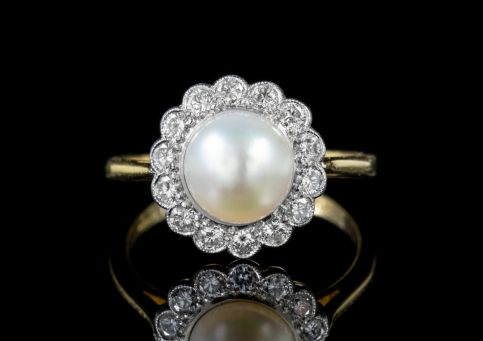 VINTAGE PEARL DIAMOND CLUSTER RING 18CT GOLD DATED 1995 front