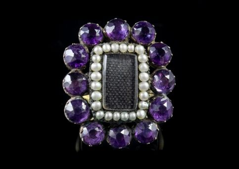 ANTIQUE GEORGIAN AMETHYST PEARL MOURNING RING SILVER 18CT GOLD GILT CIRCA 1800 front