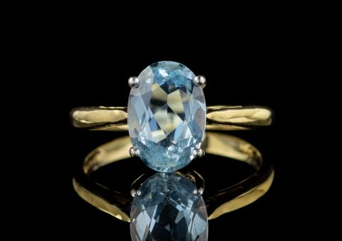 VINTAGE 2.50CT AQUAMARINE ENGAGEMENT RING 18CT GOLD DATED 1984 front