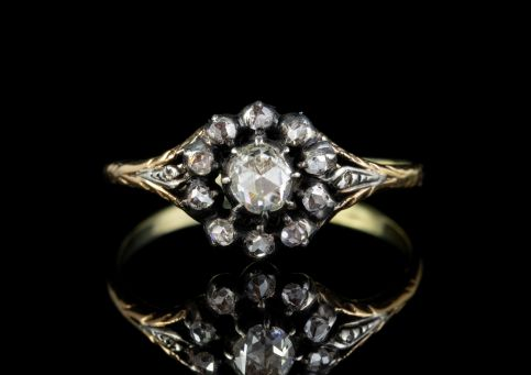 ANTIQUE GEORGIAN 0.70CT ROSE CUT DIAMOND CLUSTER RING 18CT GOLD SILVER CIRCA 1800 front