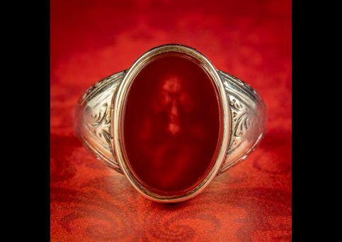 Memento-Mori-Carnelian-Diamond-Skull-Locket-Ring-18ct-Gold-COVER