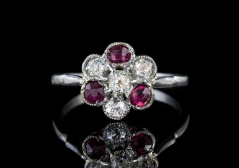 ANTIQUE EDWARDIAN RUBY DIAMOND CLUSTER RING PLATINUM CIRCA 1915 front