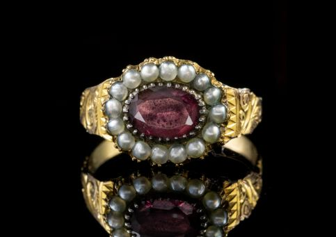 ANTIQUE GEORGIAN GARNET PEARL RING 18CT GOLD CIRCA 1800 FRONT