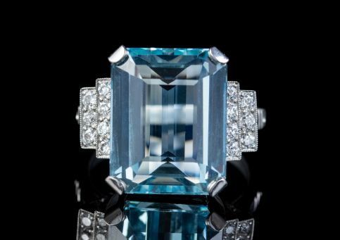 ART DECO AQUAMARINE DIAMOND RING PLATINUM 13.17CT EMERALD CUT AQUA CIRCA 1920 front