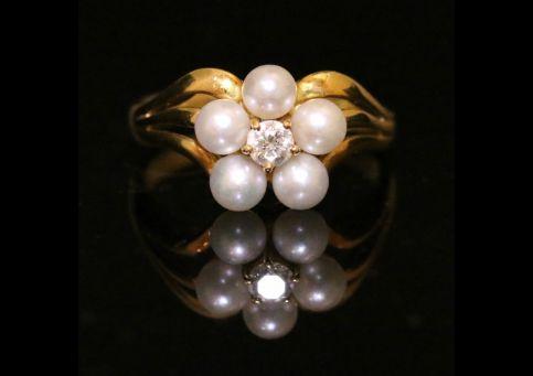 ANTIQUE GEORGIAN NATURAL PEARL DIAMOND RING CIRCA 1800