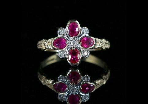 RUBY DIAMOND RING LOVELY CLUSTER RING 9CT GOLD