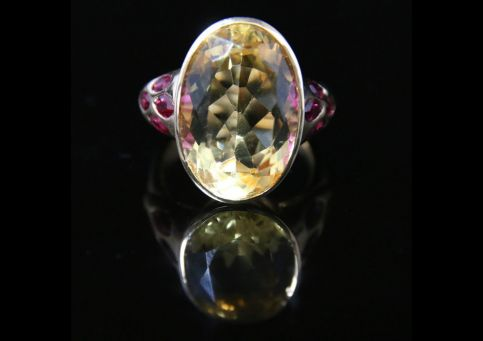 ANTIQUE CITRINE & RUBY RING 10CT CITRINE SET IN 18CT GOLD