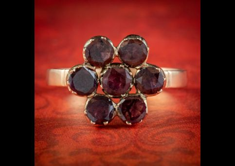 Flat-Cut-Garnet-Flower-Cluster-Ring-15ct-Gold-1.75ct-Of-Garnet-cover