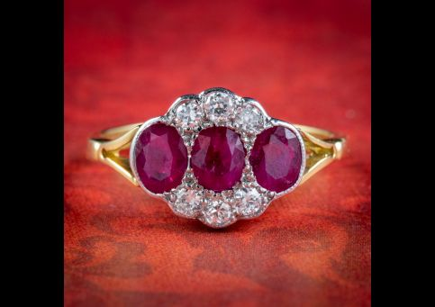 Vintage-Ruby-Diamond-Cluster-Ring-18ct-Gold-1.25ct-Of-Ruby-cover