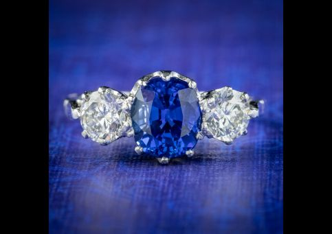 Edwardian-Style-Sapphire-Diamond-Trilogy-Ring-1.75ct-Sapphire-cover
