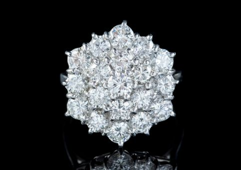 VINTAGE DIAMOND CLUSTER RING 18CT WHITE GOLD 4CT OF DIAMOND front