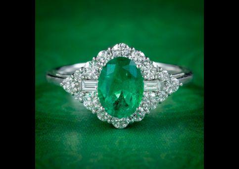 Art-Deco-Style-Emerald-Diamond-Cluster-Ring-1.25ct-Emerald-cover