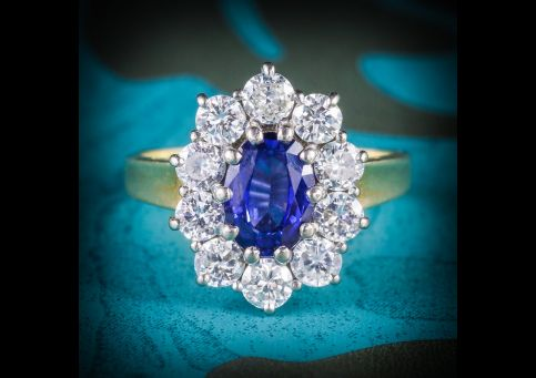 SAPPHIRE_DIAMOND_CLUSTER_ENGAGEMENT_RING_18CT_GOLD_1.80CT_SAPPHIRE_COVER