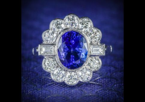 TANZANITE_DIAMOND_CLUSTER_RING_18CT_WHITE_GOLD_2.10CT_TANZANITE_1.20CT_DIAMOND_COVER