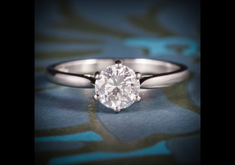 DIAMOND_SOLITAIRE_ENGAGEMENT_RING_PLATINUM_FULL_CERTIFIED_VS1_F_COLOUR_cover